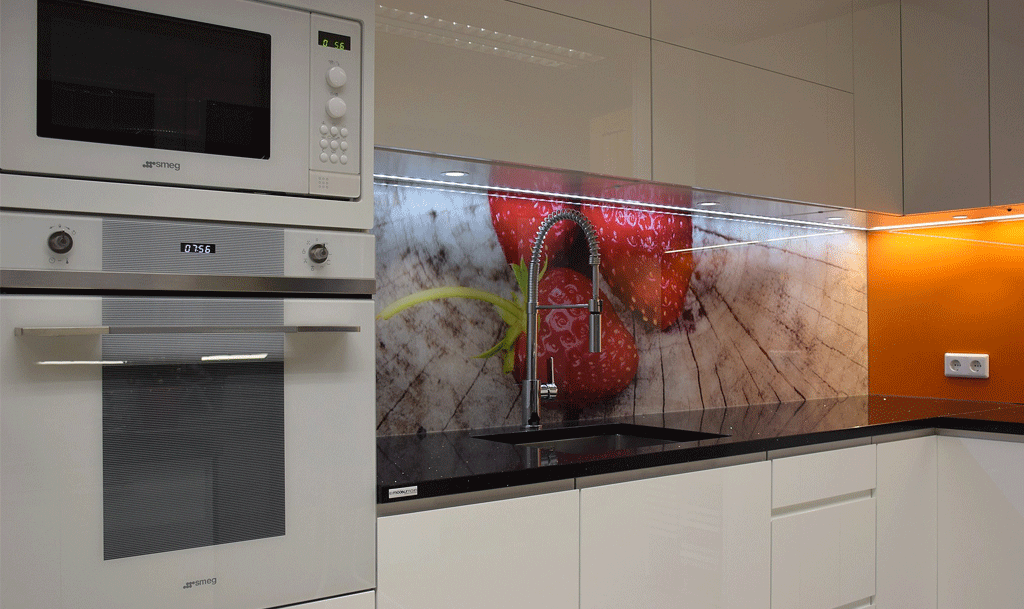 Two-part printed kitchen backsplash panel - dekoorklaas